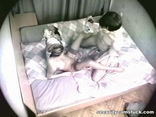 Скрытая камера сняла измену жены